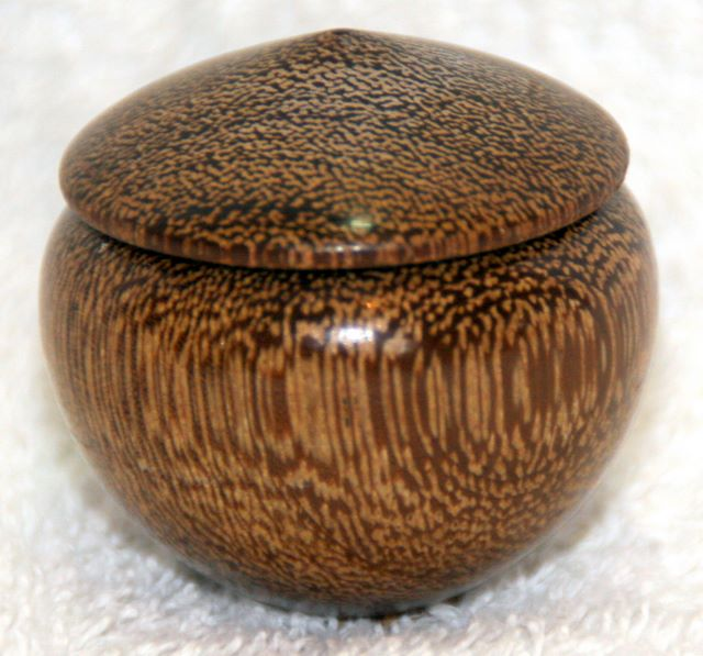 Arts and Crafts - Lace wood box woodturning, woodturnings, turning, turnings, turnery, turner, turners, woodturner, woodturners, lathe, lathes, wood, woodwork, woodworking, workshop, workshops, creative, creativity, trees